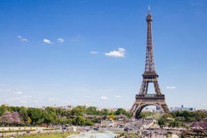 Francuskie imiona dla chłopców i ich polskie odpowiedniki